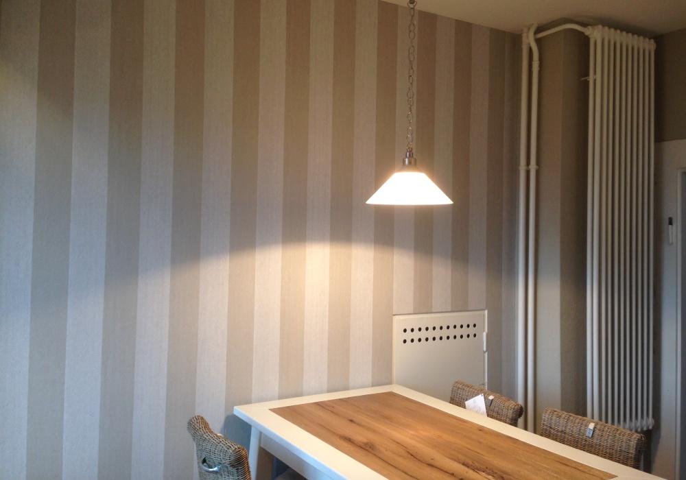 Küche Streifen Vlies-Tapete EFH Rüschlikon
